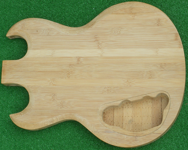 http://www.gitarrebassbau.de/download/file.php?id=8982&mode=view/Bamb_E_cav_971.jpg
